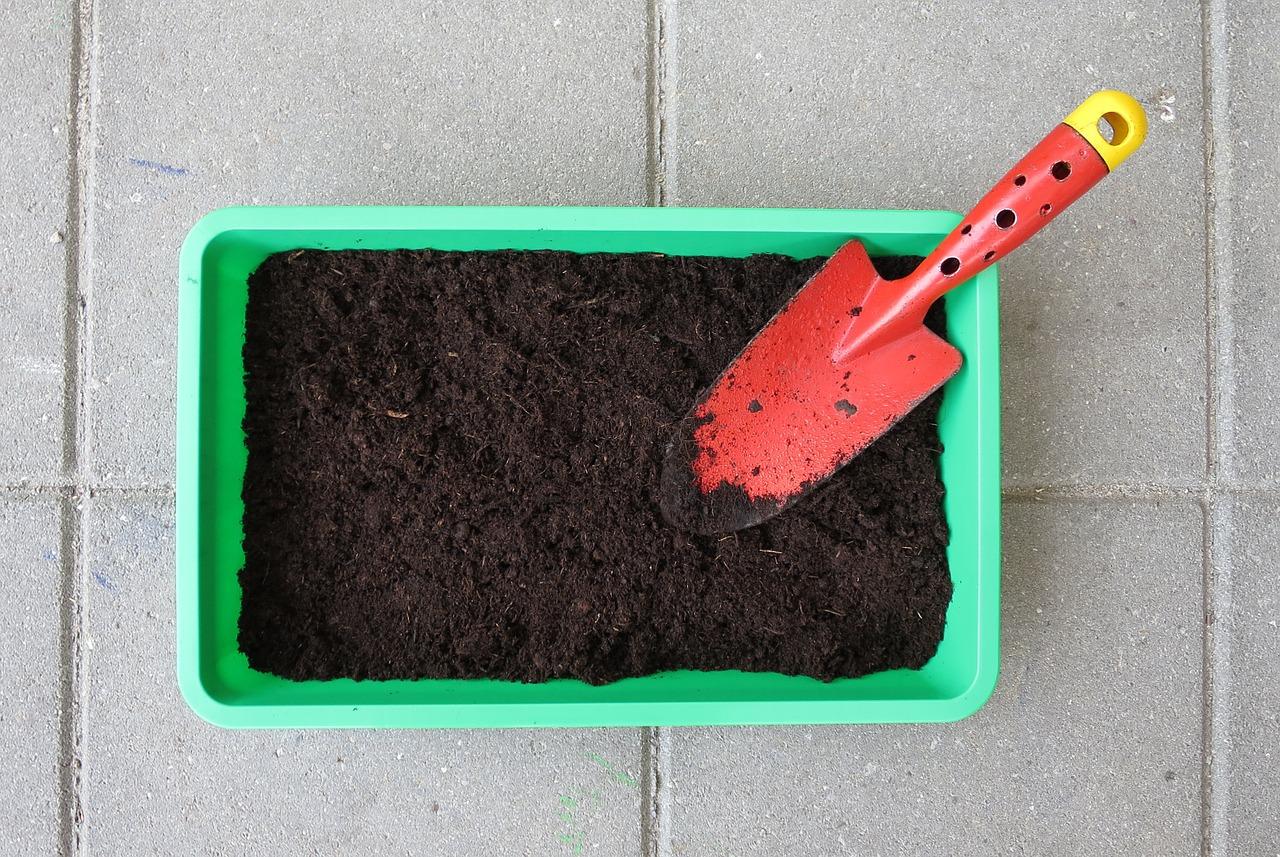 家庭菜園に必要な道具を揃えよう。