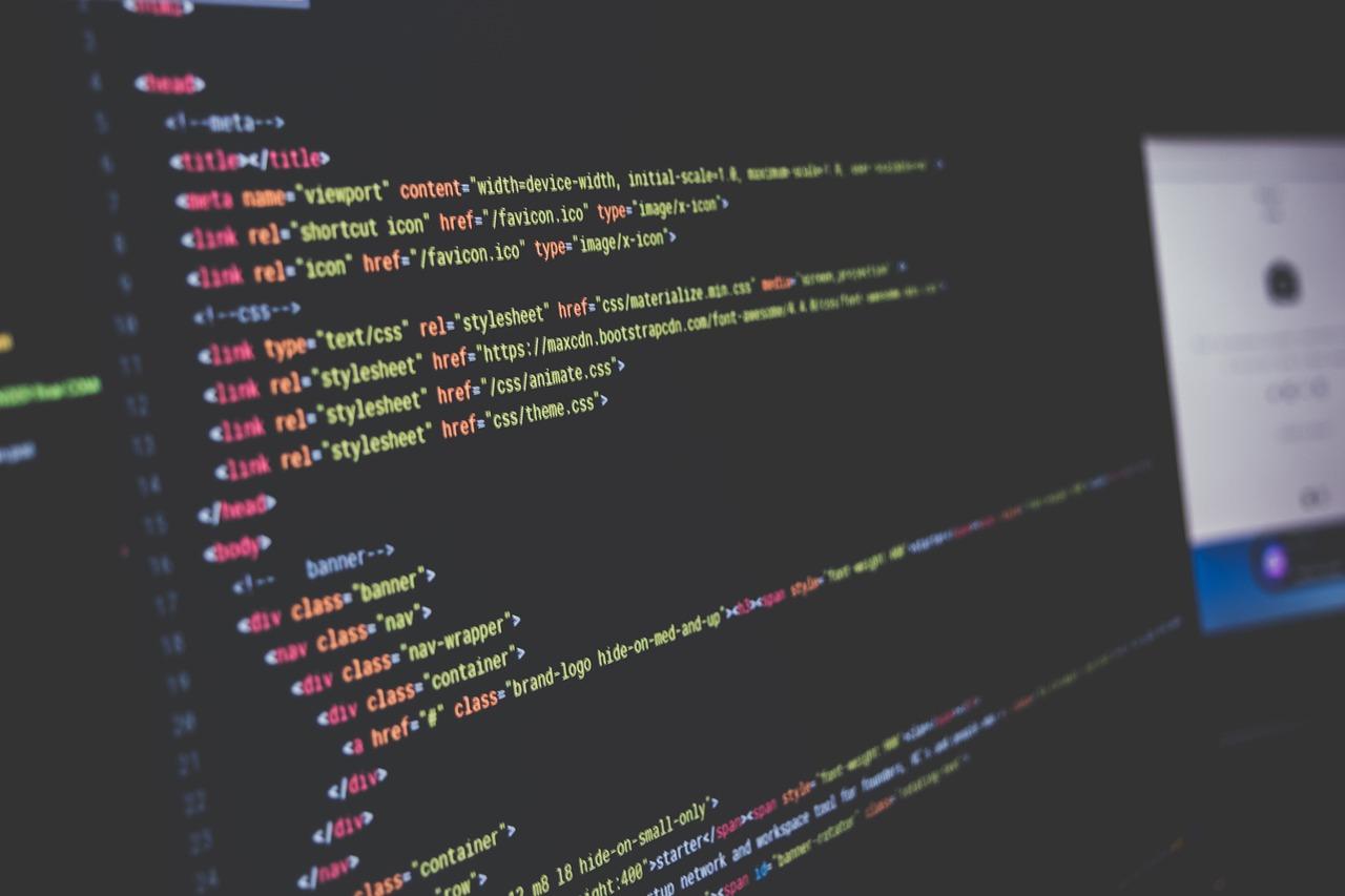プログラミングをオンラインで学習できるサイト3選